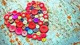 button-of-hearts_1600x900_sc